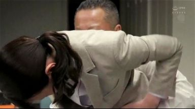 人妻オフィスレディのきれいなマンコをベロベロにするのthumbnail
