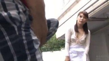 ♡OH Yes…ショタ:人妻♡トイレがいいのよね…パンチラでエッチH動画「んんん…でちゃう♡」☆乳首責め☆のthumbnail