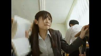 ♥「もうダメ…赦して♥」生徒にバイブ挿入されて授業してた女教師はブルブル震えるおマンコで絶叫…そのままレイプされちゃうのthumbnail