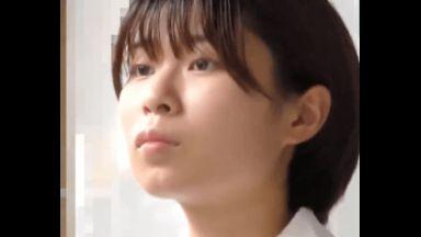 ショートカットの美少女JKが電車の中でイタズラされ、そのままホテル直行ハメ撮り。パイパンマンコが赤く染まる!のthumbnail