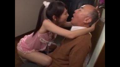 【跡美しゅり】超ロリビッチ小柄ロリパイパン貧乳美少女がおじいさん相手に舐めまくり痴女すぎるのthumbnail