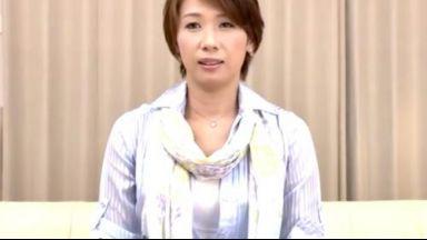 【高嶋祥子】入れたいですオマンコに♡東京育ちの長身奥様!恥ずかしくて緊張しまくりだけど、スイッチ入るとくそエロいのthumbnail