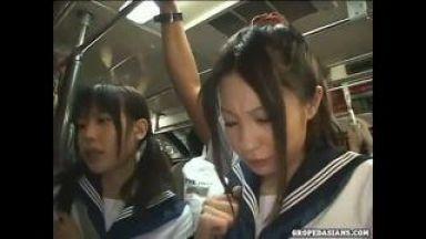 【痴漢】美少女JKが痴漢魔の毒牙に…調子に乗ったのか電車内でとんでもないことを…のthumbnail