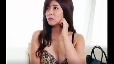 【人妻|ナンパ】「あまりジロジロ見ないでくださいね」かわいい巨乳の人妻は綺麗な下着を着て一人の時間でイケナイことをするのthumbnail
