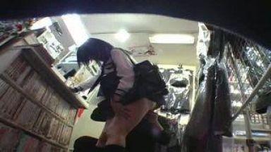 都内某ブルセラショップ真面目そうなメガネJKが生パンツ売りに来た盗撮動画のthumbnail