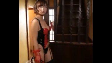 ♡「やっと来たわ…♡」玄関開けるとドS女王様がお待ちかね…虐めて嬲られて玩具にされる僕のチンポ…まだイっちゃダメでしょ…♡のthumbnail